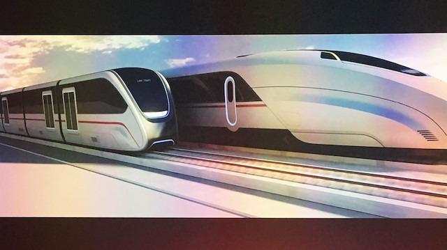 2 tren arasındaki 'kesintisiz yolcu transferi' hayranlık uyandırıyor