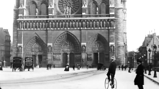 Alevler içinde kalan katedralin 120 yıl öncesine ait görüntüleri