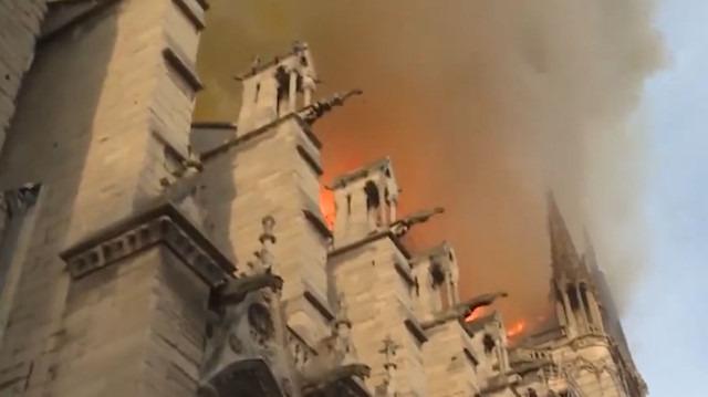 Paris İtfaiyesi tarafından yayınlanan 'bodycam' görüntüleri