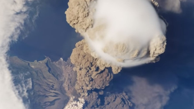 Uzay istasyonundan yanardağın püskürmesi kaydedildi