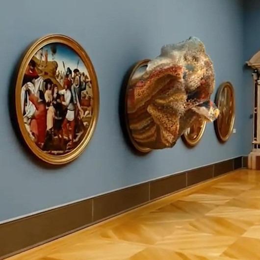 İtalyan sanatçı üç boyutlu grafik yazılımıyla müzedeki tabloyu sergiliyor