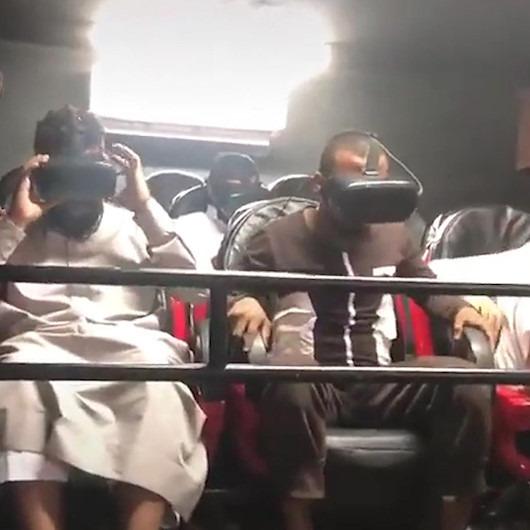 İlk defa sanal gerçeklik deneyimi yaşayan Araplar çılgına döndü