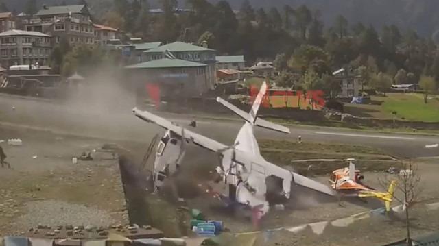 Nepal LET 410 tipi uçağın kaza anı kamerada