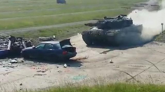 Son sürat giden bir tankla otomobil çarpışırsa ne olur?