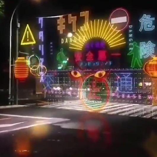 Japon sürücüleri hizaya getiren hologramlı trafik ışıkları