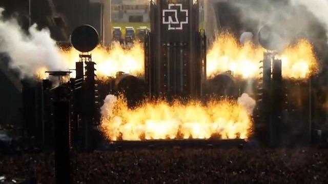 Rammstein konserinin muhteşem açılışı