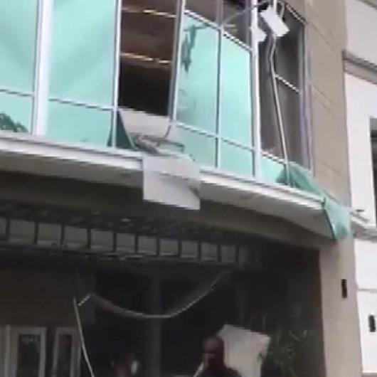 AVM'de patlama: Olay yeri savaş alanına döndü