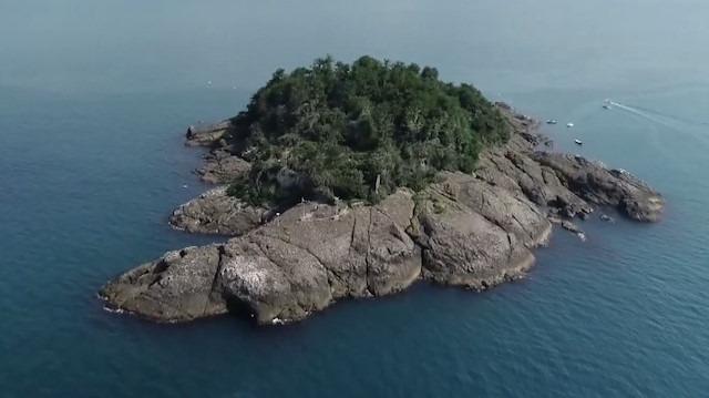'Mitolojik ada'nın efsaneleri turistleri karşılıyor