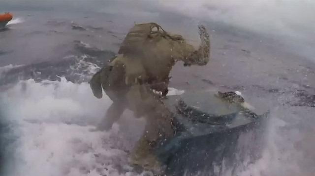 Tonlarca uyuşturucu taşıyan denizaltıya nefes kesen operasyon!