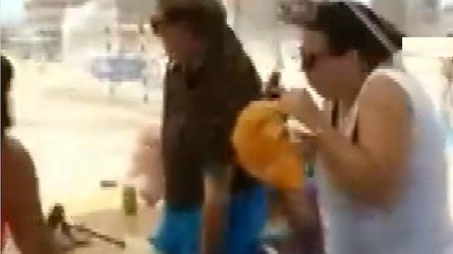 Plajda kum fırtınası büyük paniğe neden oldu