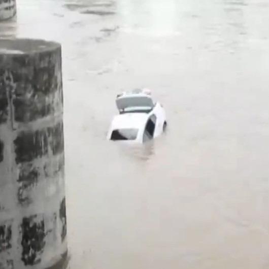 Babası Jaguar almayı reddedince kulladığı 2 aylık BMW'yi nehre attı