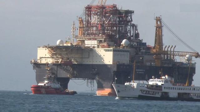 Dev petrol arama platformu 'Scarabeo 9' İstanbul Boğazı'nda