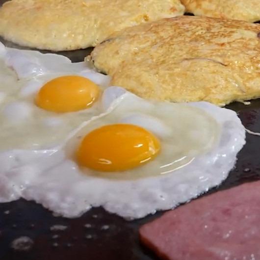 Kızarmış peynirli yumurtalı Güney Kore usulü tost