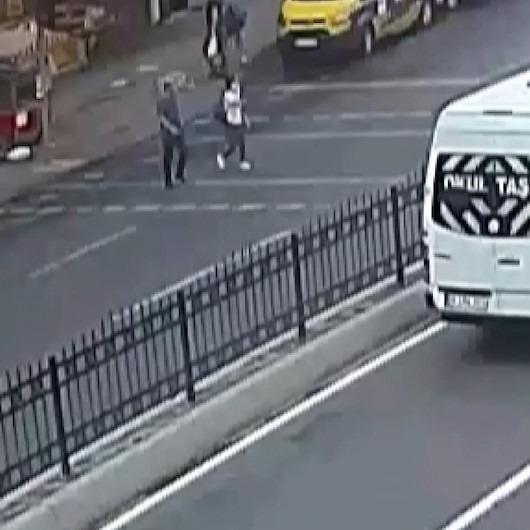 Kırmızı ışıkta geçen alkollü sürücü görme engelli kıza çarpıp kaçtı