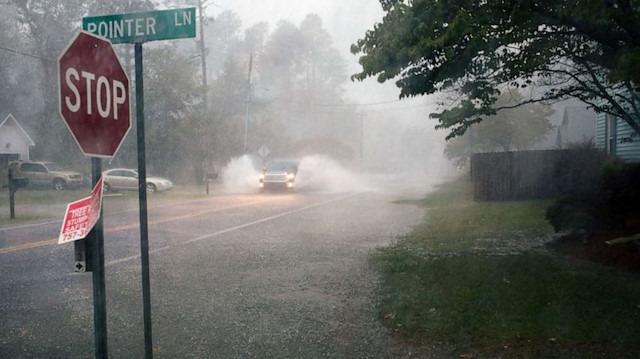 Dorian Kasırgası Kuzey Carolina'yı sular altında bıraktı