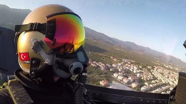 SOLOTÜRK'ün Edremit Körfezi uçuşuna 'kokpit içi' bakış