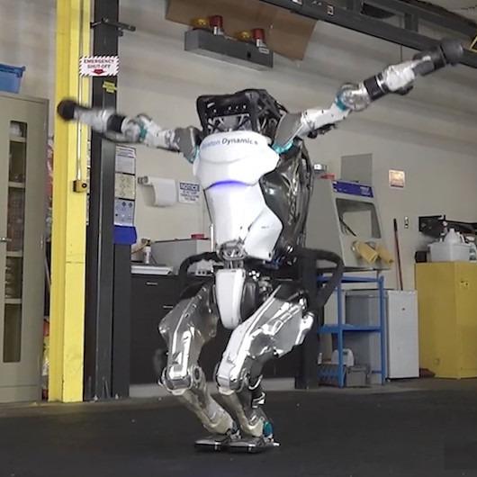 Sürekli daha atletik oluyor: İnsansı robot Atlas'ın şaşırtan yeni videosu