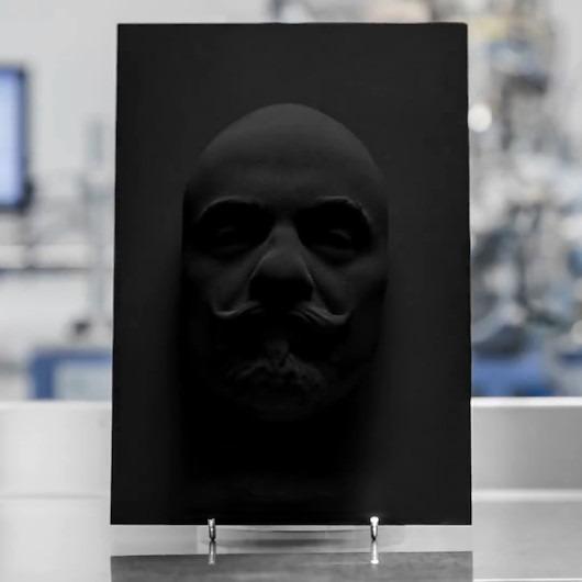 Dünyanın en karanlık maddesi: 'Siyahtan daha siyah'