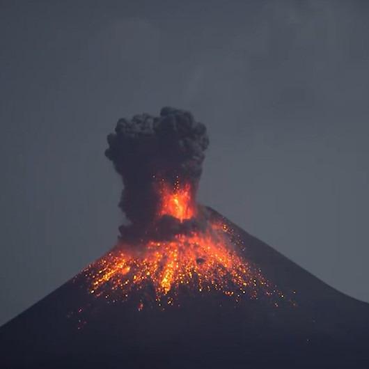 Binlerce kişiyi öldüren Krakatau yanardağının patlama anı