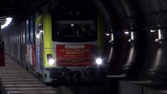Marmaray'dan ilk defa böyle bir tren geçti