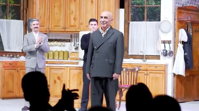 Usta oyuncu Şener Şen 'Zengin Mutfağı' ile sahnede