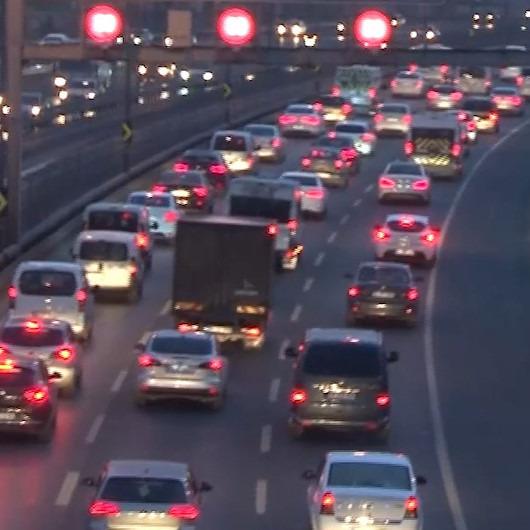 İstanbul'da trafik çilesi yeniden başladı
