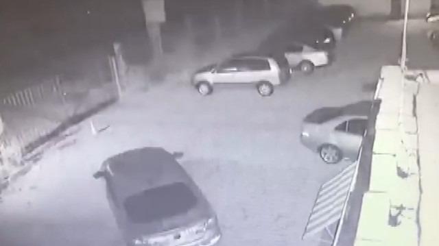 Arnavutluk'taki deprem anı kamerada