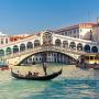 Venedik'te kahve pişiren iki turist kentten atıldı